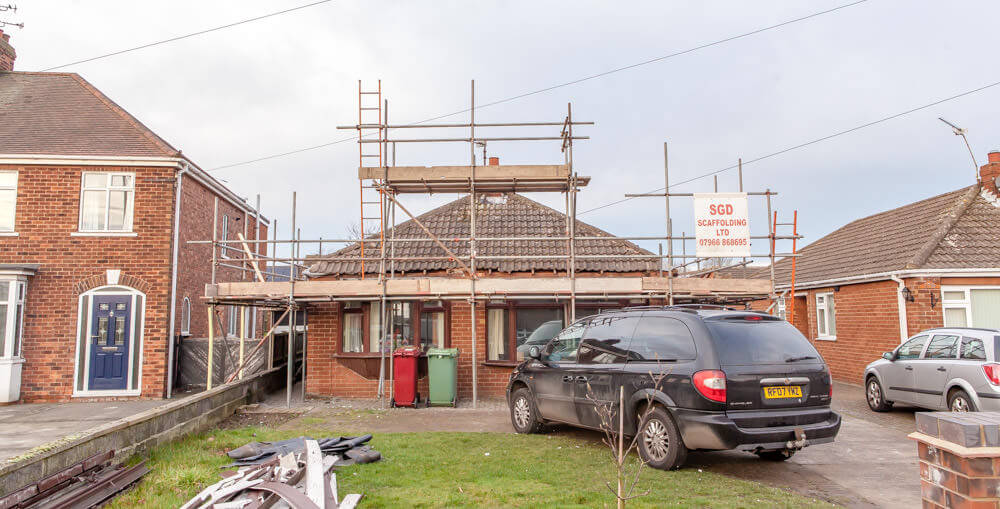 roof lift with scaffoding